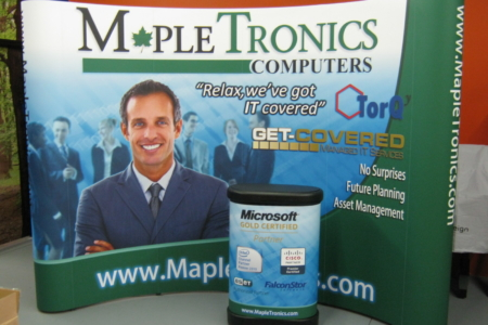 Custom tradeshow display pieces for MapleTronics Computers. 12-Point SignWorks - Franklin TN