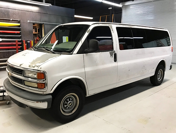 Before photo of the old 12-Point van. 12-Point SignWorks - Franklin, TN