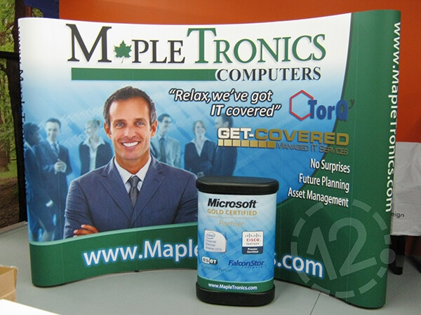 Curved Pop Up Display with Printed Podium Case for MapleTronics Computers. 12-Point SignWorks - Franklin, TN