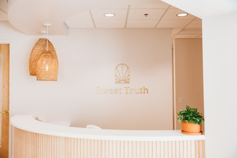Gold Dimensional Lobby Logo SIgn for Sweet Truth Dental / Brentwood/ 12-Point SignWorks